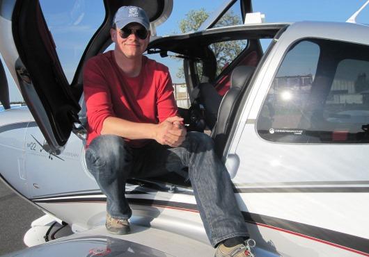 Foto ze zážitkové akce pilotem letadla Cirrus zkoušku