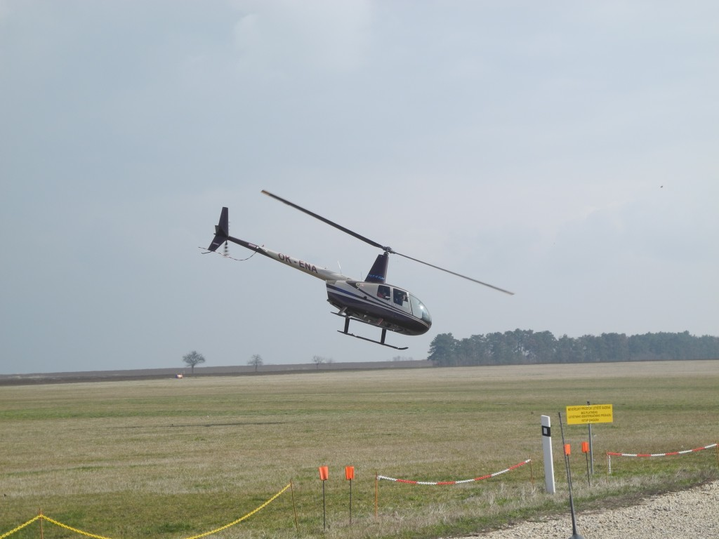 Adrenalinový let vrtulníkem Praha