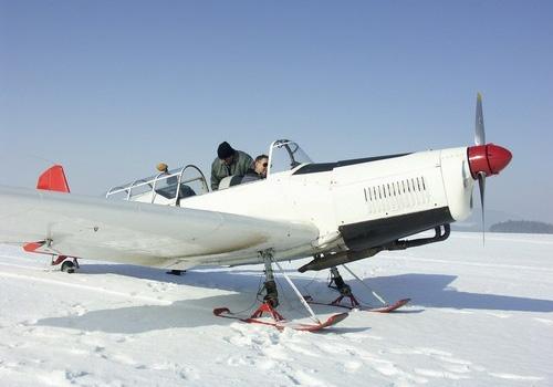 Letadlo s lyžinami