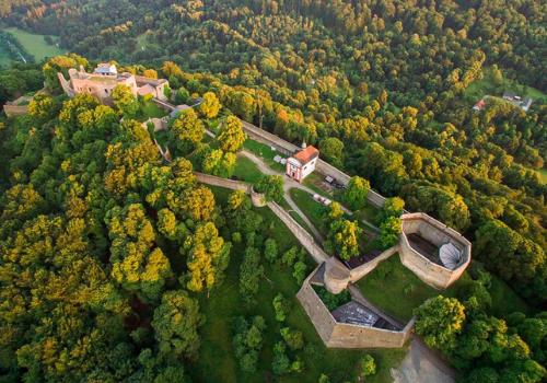 Let letadlem nad hrad Hukvaldy
